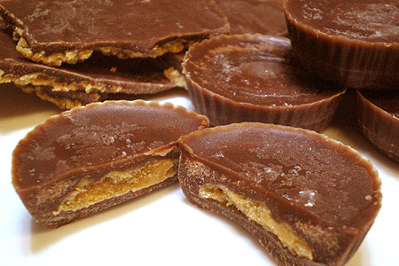 Low-carb homemade peanut butter cups